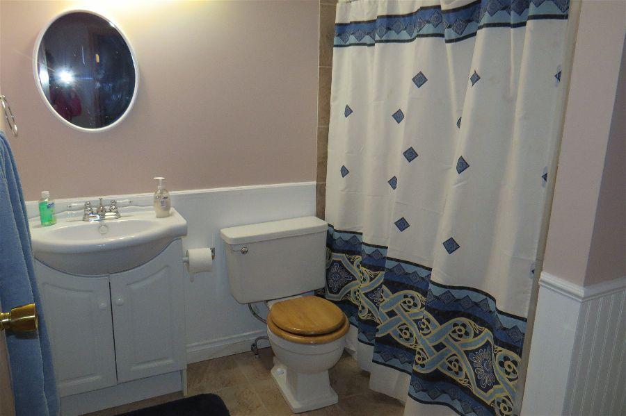 washroom / shower